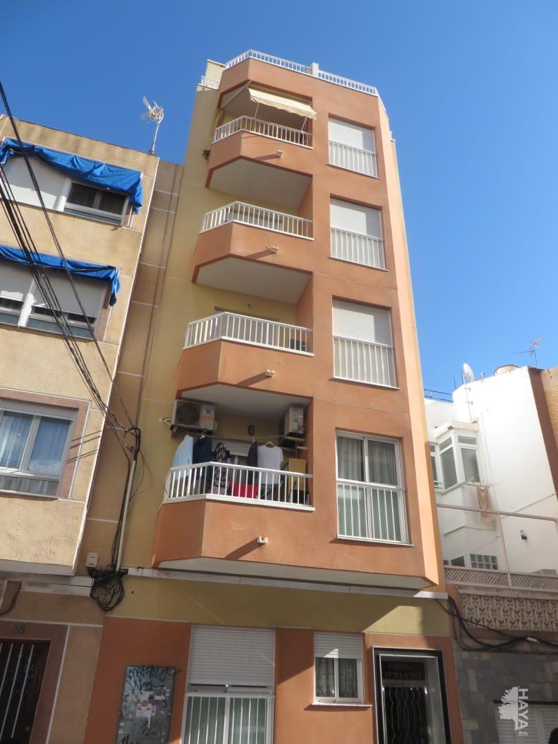 Piso en venta en Torrevieja, Alicante, Calle Patricio Zamarit, 59.585 €, 1 habitación, 1 baño, 59 m2