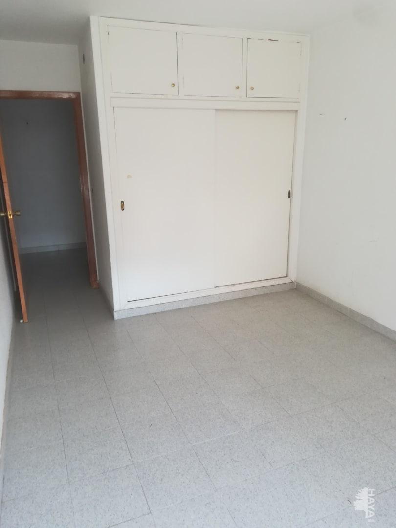 Piso en venta en Las Esperanzas, Pilar de la Horadada, Alicante, Calle Garcia Morato, 64.000 €, 2 habitaciones, 2 baños, 79 m2