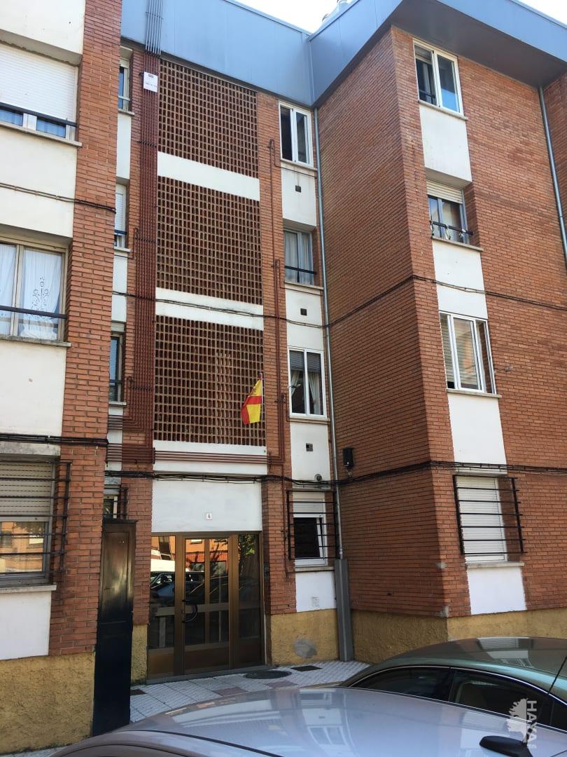Piso en venta en La Corredoria Y Ventanielles, Oviedo, Asturias, Calle Doña Iluminada, 73.290 €, 3 habitaciones, 1 baño, 104 m2