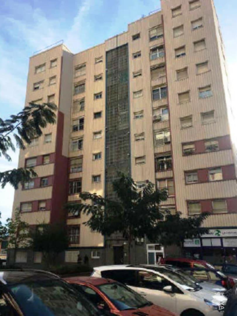 Piso en venta en Vila Vella, Sant Vicenç Dels Horts, Barcelona, Calle Mestre Perez Moya, 127.500 €, 4 habitaciones, 1 baño, 77 m2