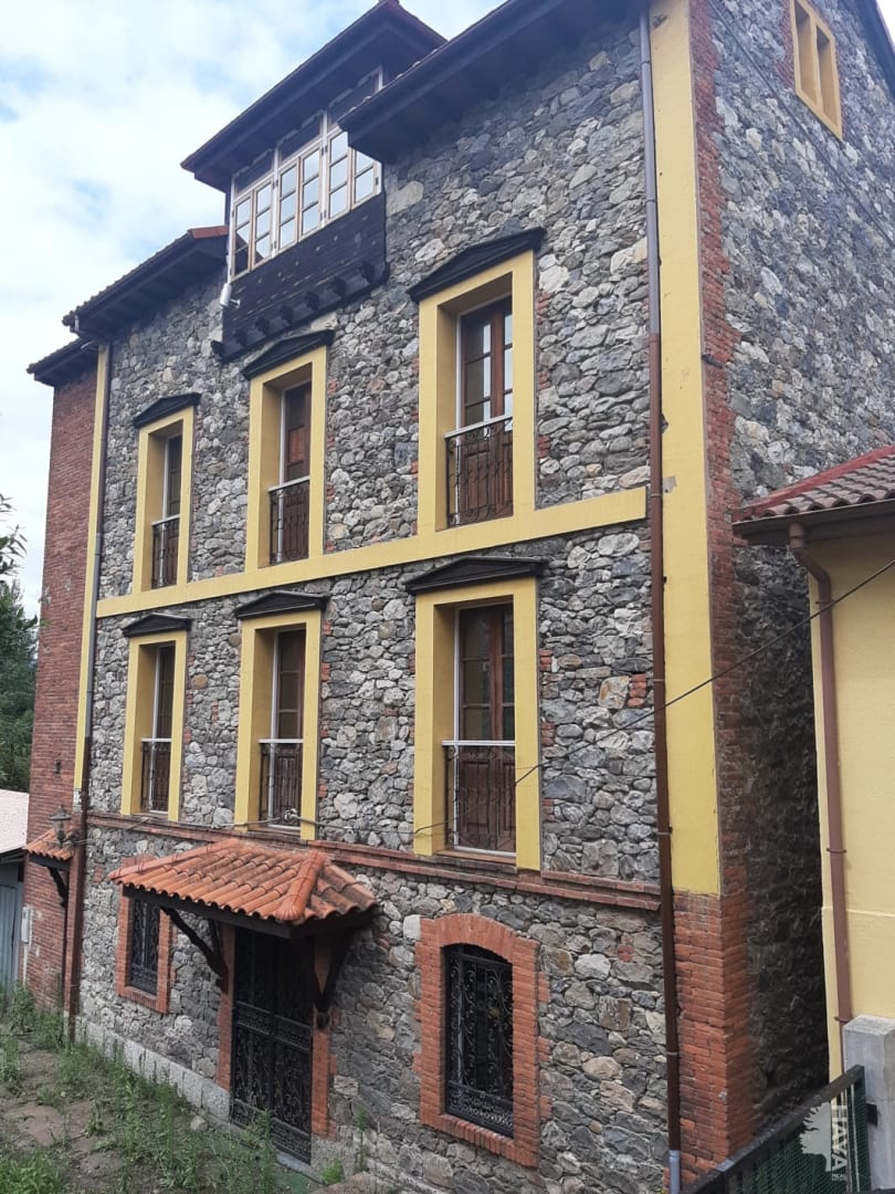 Casa en venta en Lena, Asturias, Lugar Columbiello, 166.000 €, 11 habitaciones, 4 baños, 256 m2