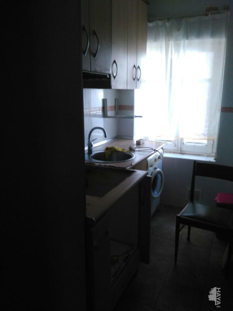 Piso en venta en Soria, Soria, Calle Mayor, 51.100 €, 3 habitaciones, 1 baño, 76 m2