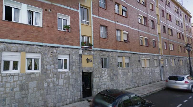 Piso en venta en Oviedo, Asturias, Calle Costa Verde, 53.500 €, 3 habitaciones, 1 baño, 77 m2
