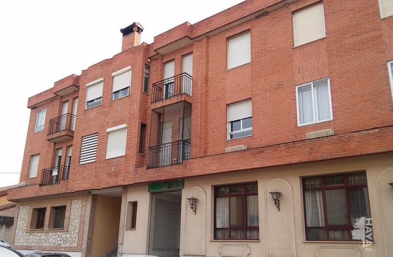 Piso en venta en Nava de la Asunción, Segovia, Calle Segovia, 68.750 €, 4 habitaciones, 1 baño, 109 m2