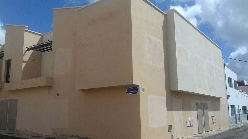 Piso en venta en Arrecife, Las Palmas, Calle Agustín Millares Sall, 177.000 €, 3 habitaciones, 1 baño, 109 m2