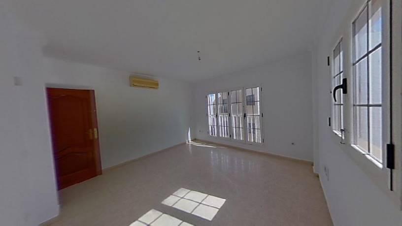 Piso en venta en Arrecife Centro, Arrecife, Las Palmas, Calle Azorin, 87.000 €, 2 habitaciones, 1 baño, 66 m2