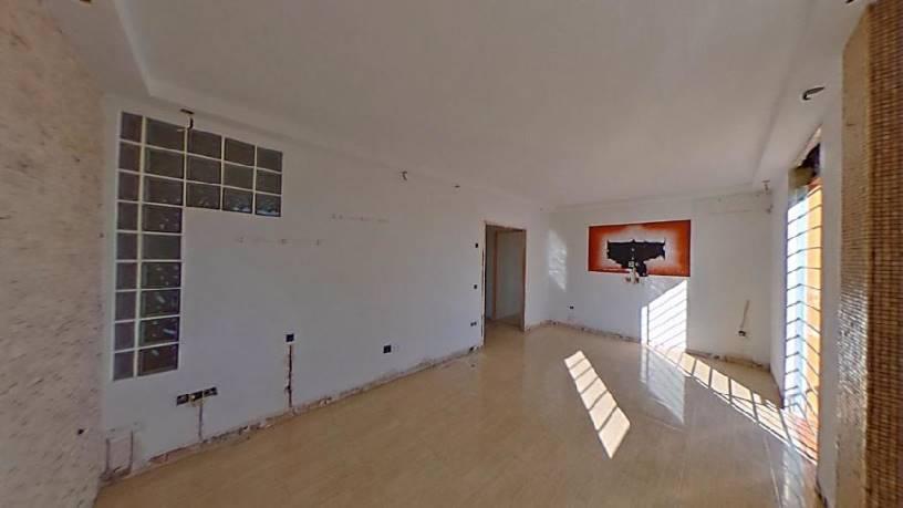 Piso en venta en Las Vegas, Lucena, Córdoba, Plaza Carlos Cano, 62.050 €, 1 baño, 93 m2