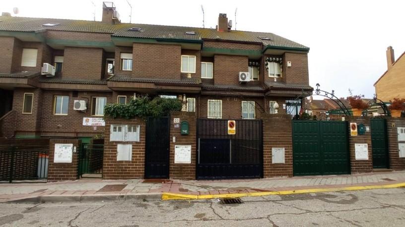 Casa en venta en El Naranjo - la Serna, Fuenlabrada, Madrid, Calle Navarra, 438.100 €, 4 habitaciones, 1 baño, 256 m2