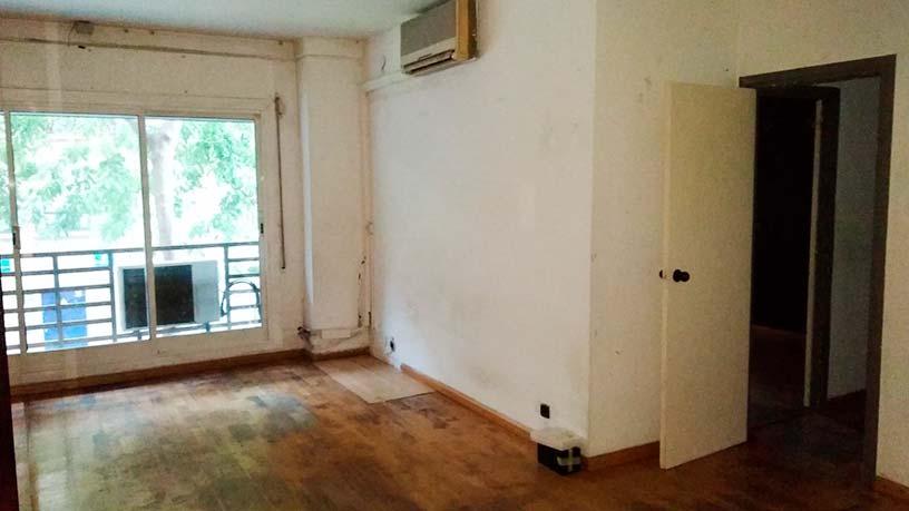 Piso en venta en Ciutat Vella, Barcelona, Barcelona, Calle Vila I Vila, 308.800 €, 2 habitaciones, 1 baño, 82 m2