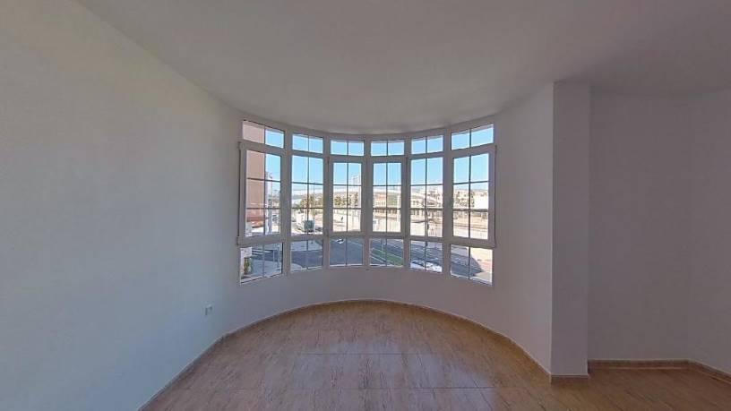 Piso en venta en Ciudad Jardín, Almería, Almería, Calle Villa Marina, 165.000 €, 1 baño, 113 m2