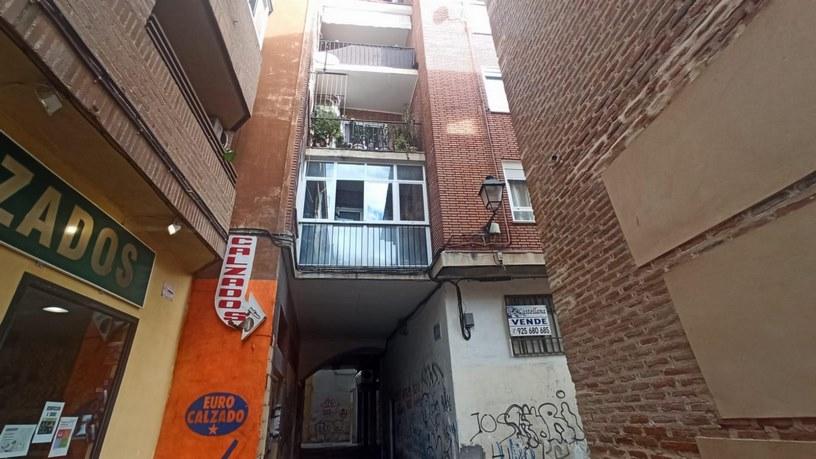 Piso en venta en Barrio de Santa Maria, Talavera de la Reina, Toledo, Calle de San Francisco, 57.000 €, 1 habitación, 1 baño, 111 m2