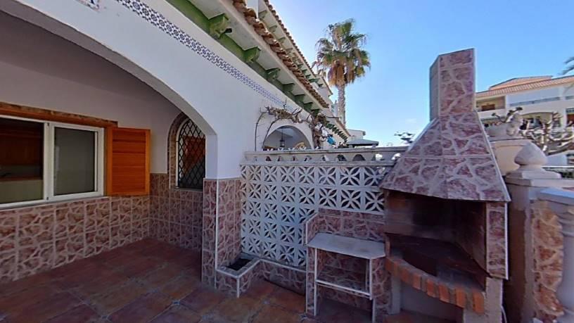 Casa en venta en La Mata, Torrevieja, Alicante, Calle Sauce Y Alamo, 152.215 €, 2 habitaciones, 2 baños, 61 m2