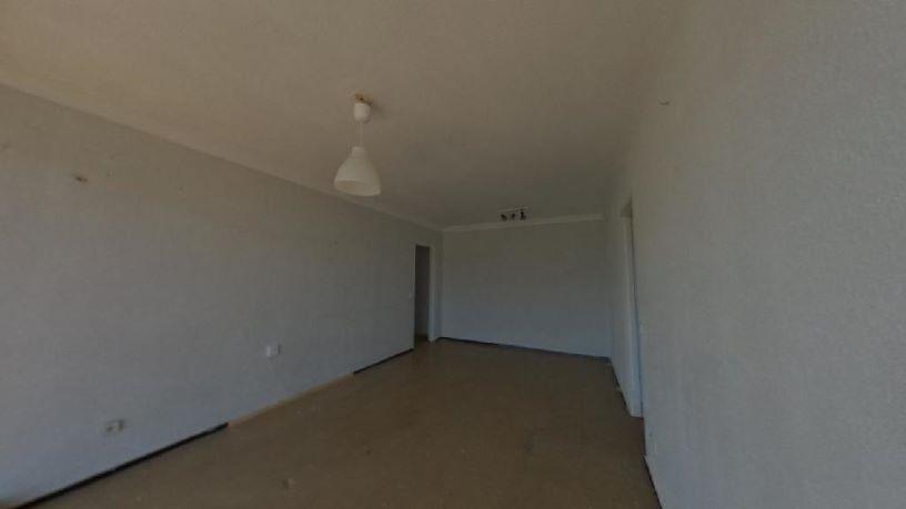 Piso en venta en Palma-palmilla, Málaga, Málaga, Calle Guadalbullon, 45.700 €, 3 habitaciones, 1 baño, 84 m2