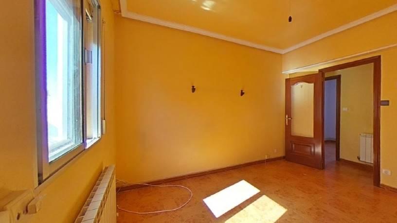 Piso en venta en Las Delicias, Valladolid, Valladolid, Calle San Jose de Calasanz, 59.980 €, 3 habitaciones, 1 baño, 60 m2