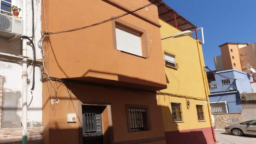 Casa en venta en Algeciras, Cádiz, Calle Teruel, 31.200 €, 2 habitaciones, 1 baño, 81 m2