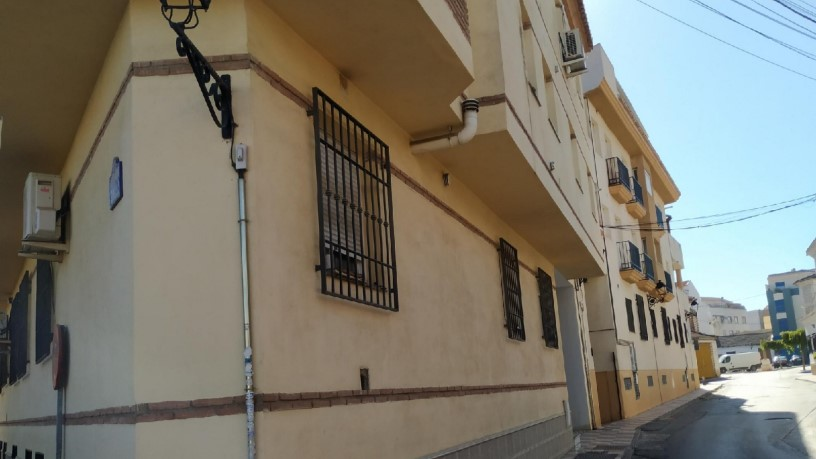 Piso en venta en Churriana de la Vega, Granada, Calle Santa Cecilia, 46.000 €, 1 habitación, 1 baño, 51 m2