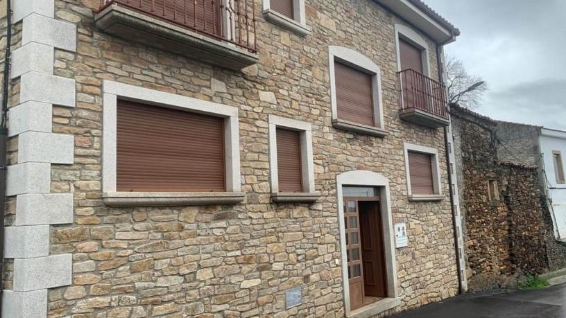 Casa en venta en Saucelle, Salamanca, Calle Cruz de Canto, 135.700 €, 3 baños, 276 m2