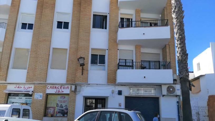 Piso en venta en Lepe, Huelva, Calle Palma del Condado, 74.800 €, 3 habitaciones, 2 baños, 99 m2