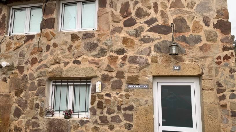 Casa en venta en Salas de los Infantes, Burgos, Calle Io Campillo, 62.000 €, 3 habitaciones, 2 baños, 180 m2