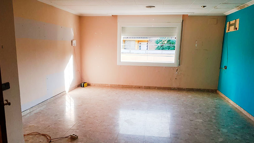 Casa en venta en Riudellots de la Selva, Girona, Calle Mas Joals, 331.200 €, 3 habitaciones, 3 baños, 240 m2