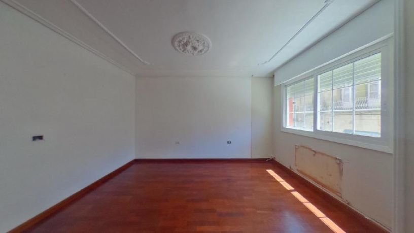 Piso en venta en Pazos de Reis, Tui, Pontevedra, Calle Augusto Gonzalez Besada, 142.600 €, 1 baño, 128 m2
