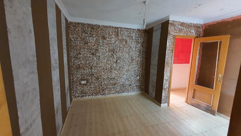 Piso en venta en Picassent, Valencia, Calle Diputacion, 66.980 €, 2 habitaciones, 1 baño, 133 m2