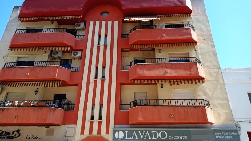Piso en venta en San Marcos, Almendralejo, Badajoz, Calle Jose Luis Mejias, 63.300 €, 4 habitaciones, 2 baños, 108 m2
