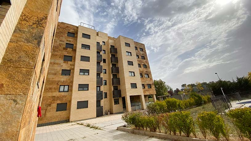 Piso en venta en Pinar de Jalón, Valladolid, Valladolid, Calle Arca, 162.900 €, 2 habitaciones, 1 baño, 124 m2