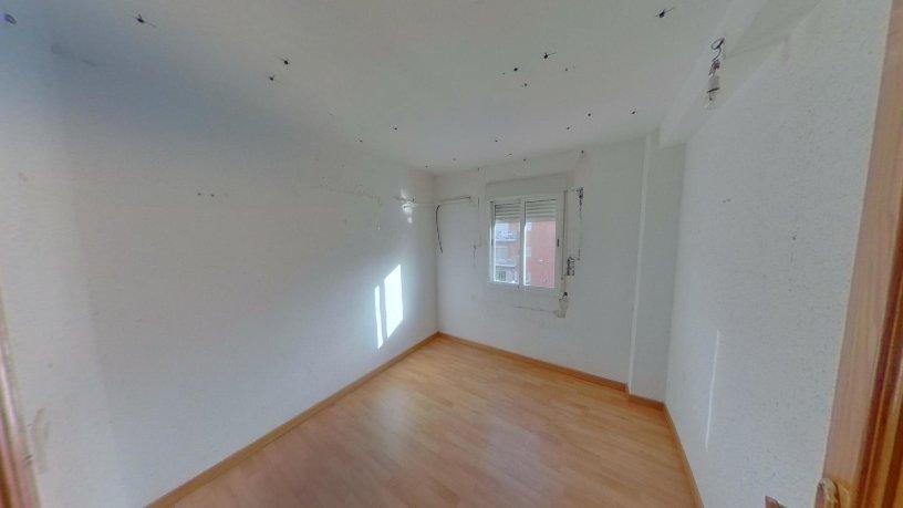 Piso en venta en Carabanchel, Madrid, Madrid, Calle Baleares-b, 102.100 €, 3 habitaciones, 1 baño, 52 m2