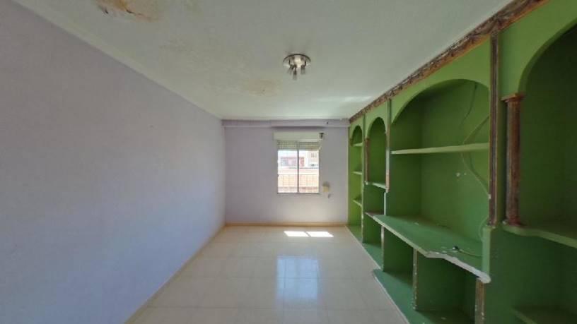 Piso en venta en Carrús Est, Elche/elx, Alicante, Calle Arturo Salvetti Pardo, 60.900 €, 3 habitaciones, 1 baño, 82 m2
