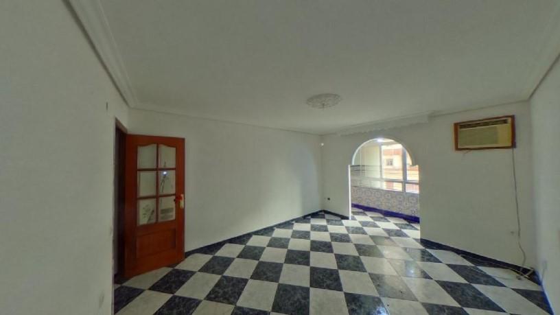 Piso en venta en Distrito Macarena, Sevilla, Sevilla, Calle Jose Bermejo (barrrio Polig. Norte), 58.500 €, 3 habitaciones, 1 baño, 84 m2