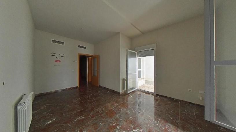 Piso en venta en Casco Antiguo, Badajoz, Badajoz, Calle Eugenio Hermoso, 94.300 €, 1 baño, 81 m2