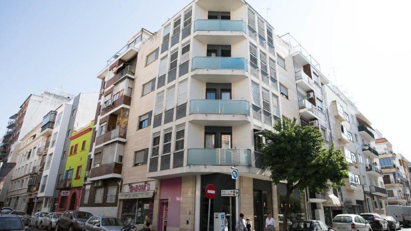 Piso en venta en Los Remedios, Sevilla, Sevilla, Calle Virgen del Valle, 222.300 €, 1 habitación, 1 baño, 63 m2