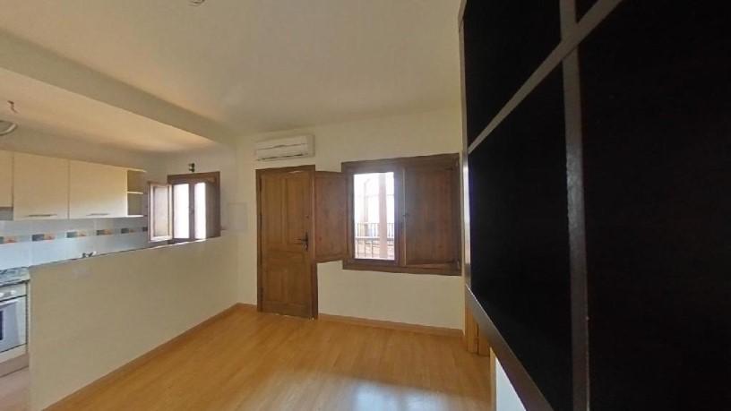 Piso en venta en Santa Bárbara, Toledo, Toledo, Plaza de la Merced, 89.000 €, 1 habitación, 1 baño, 47 m2