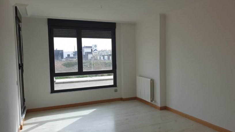 Piso en venta en Nuevo Naharros, Pelabravo, Salamanca, Calle Ubz, 78.400 €, 1 baño, 116 m2