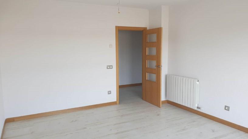 Piso en venta en Nuevo Naharros, Pelabravo, Salamanca, Calle Ubz, 94.500 €, 2 baños, 155 m2