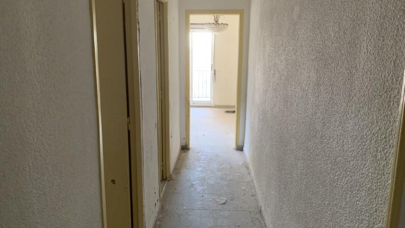 Piso en venta en Chana, Granada, Granada, Calle Arzobispo Guerrero, 55.080 €, 1 habitación, 1 baño, 66 m2