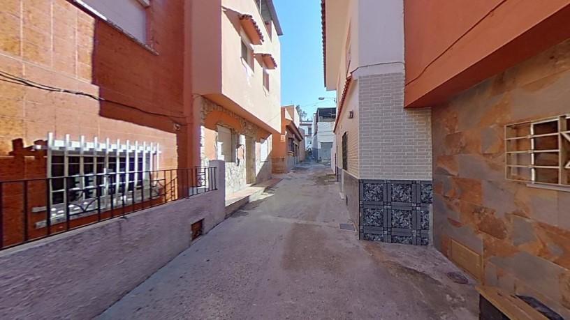 Casa en venta en Algeciras, Cádiz, Calle Andalucía -268b-, 52.920 €, 4 habitaciones, 1 baño, 136 m2