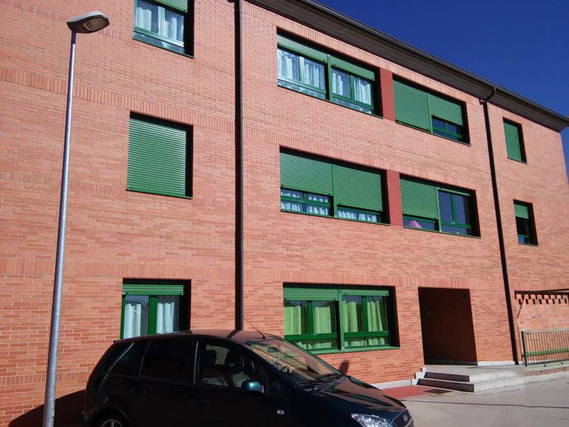 Piso en venta en La Lastrilla, Segovia, Carretera de Soria, 153.000 €, 3 habitaciones, 2 baños, 141 m2