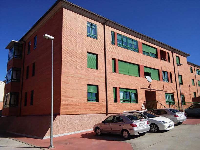 Piso en venta en La Lastrilla, Segovia, Calle Nacional 110, 151.000 €, 3 habitaciones, 153 m2