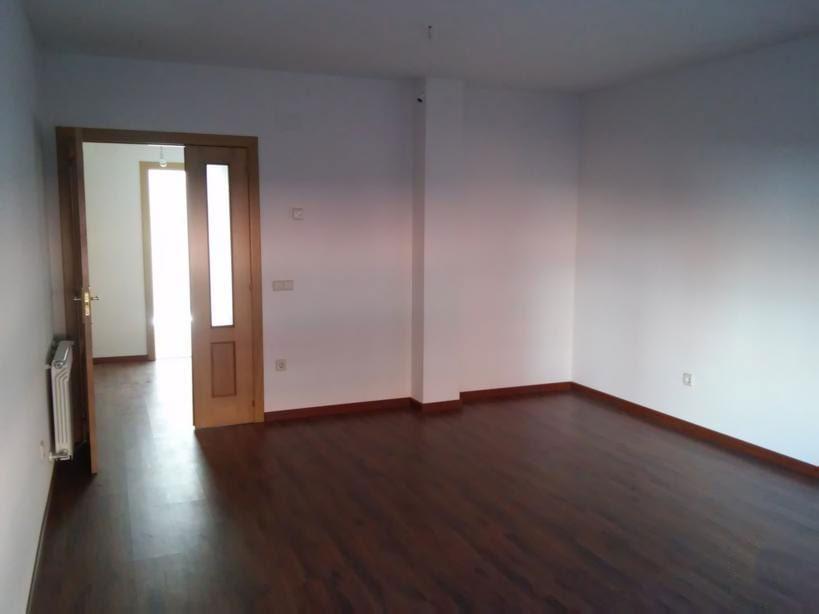 Piso en venta en Piso en la Lastrilla, Segovia, 151.000 €, 3 habitaciones, 153 m2