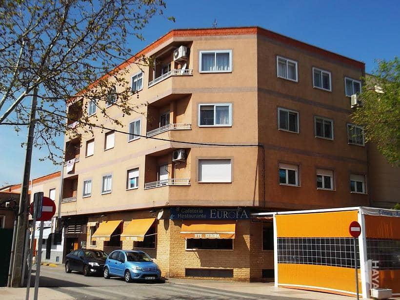 Piso en venta en Residencial Villas del Norte, Valdepeñas, Ciudad Real, Avenida Estudiantes, 63.000 €, 3 habitaciones, 1 baño, 85 m2