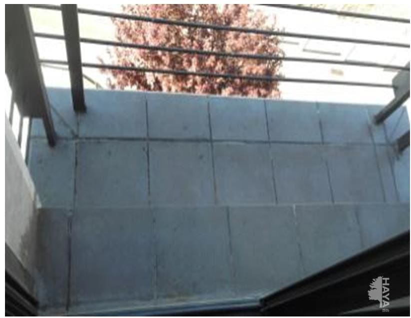 Piso en venta en Centre Històric, Lleida, Lleida, Calle Sant Carles, 91.200 €, 3 habitaciones, 2 baños, 75 m2