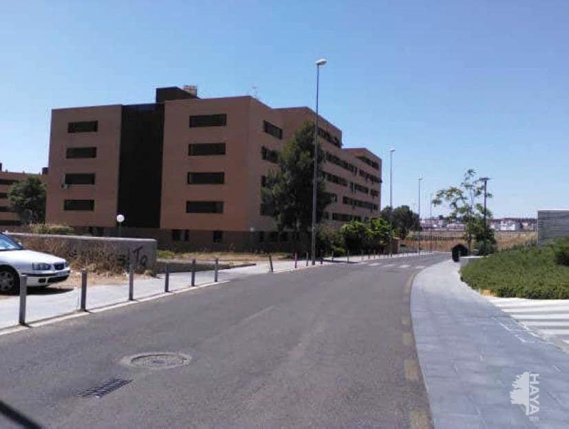 Piso en venta en Mérida, Badajoz, Avenida Valhondo, 66.000 €, 3 habitaciones, 2 baños, 100 m2