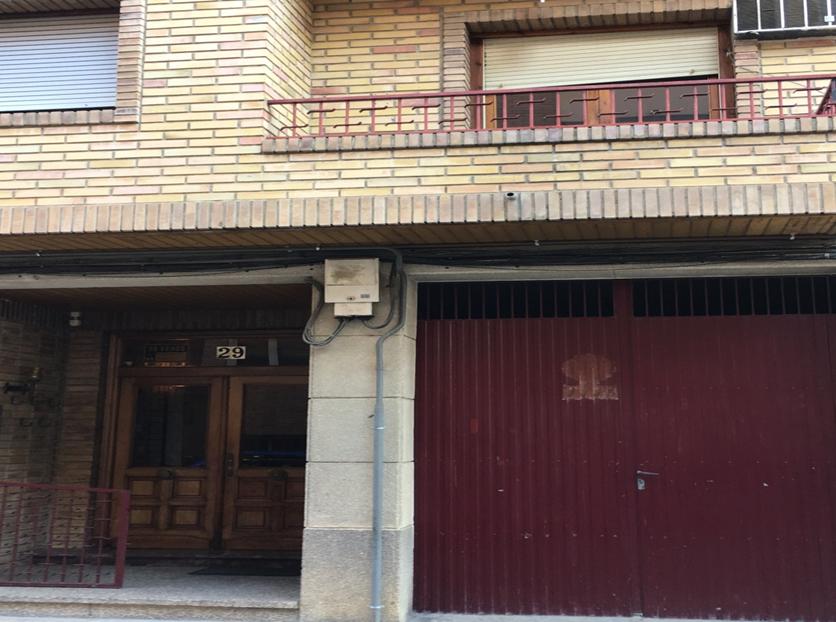 Piso en venta en Zuera, Zaragoza, Calle Navas, 74.900 €, 3 habitaciones, 1 baño, 101 m2