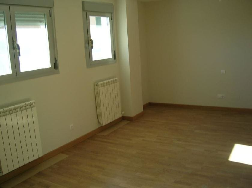 Piso en venta en Valladolid, Valladolid, Calle Chopos, 136.000 €, 1 habitación, 1 baño, 79 m2