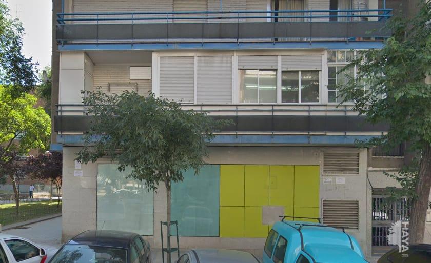 Local en venta en Madrid, Madrid, Calle Villajoyosa, 346.000 €, 346 m2