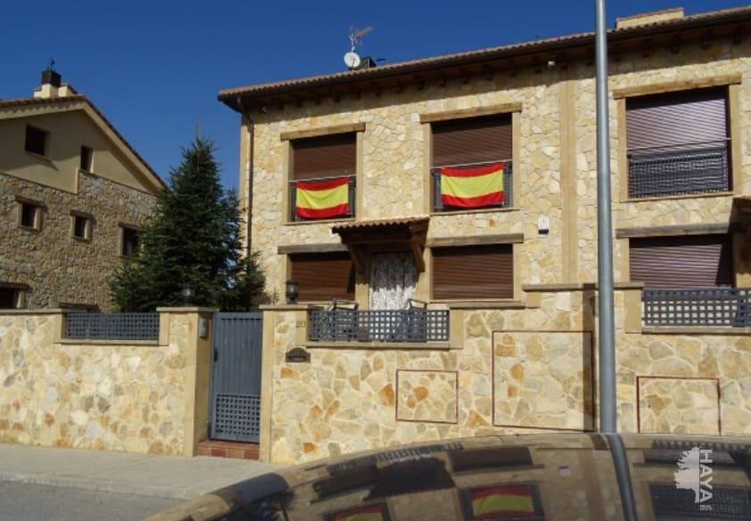 Casa en venta en Casa en Segovia, Segovia, 364.063 €, 3 habitaciones, 2 baños, 470 m2
