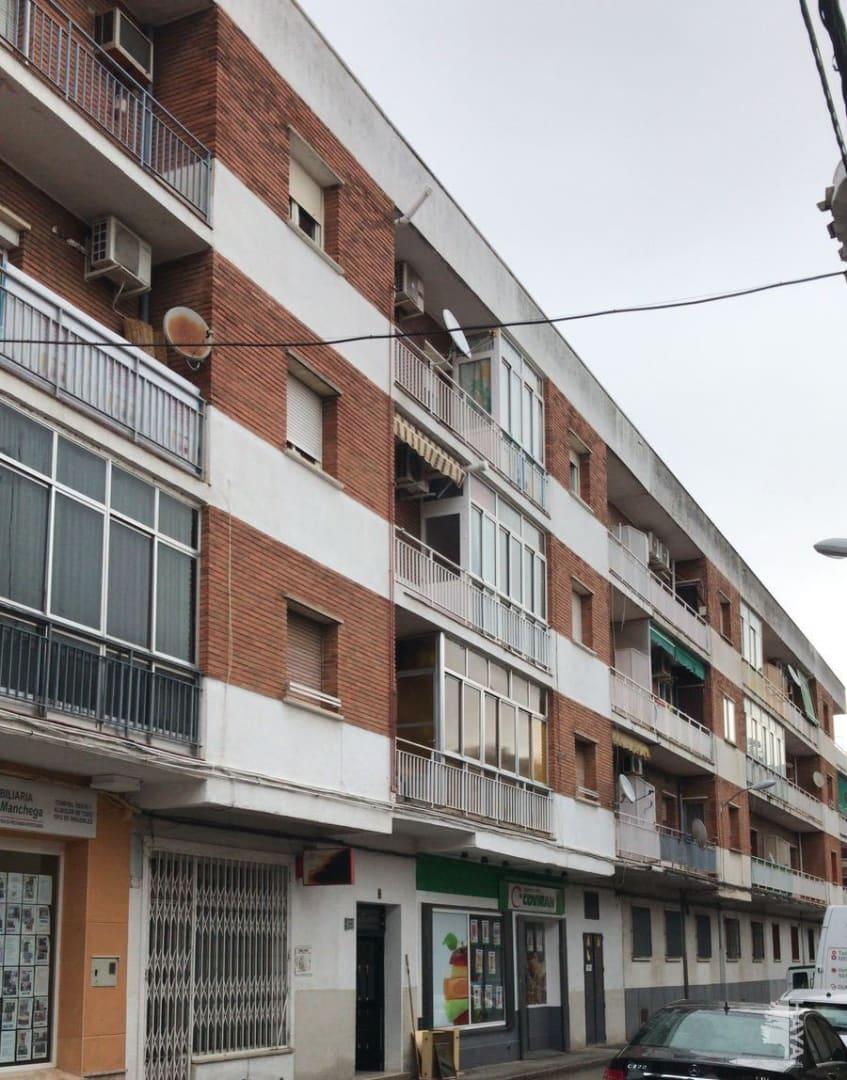Piso en venta en Tomelloso, Ciudad Real, Calle Matadero, 40.889 €, 3 habitaciones, 1 baño, 96 m2