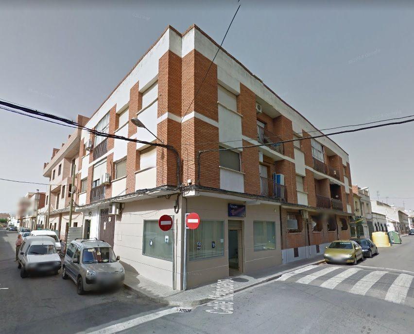 Piso en venta en Tomelloso, Ciudad Real, Calle San Felipe, 80.000 €, 4 habitaciones, 2 baños, 120 m2